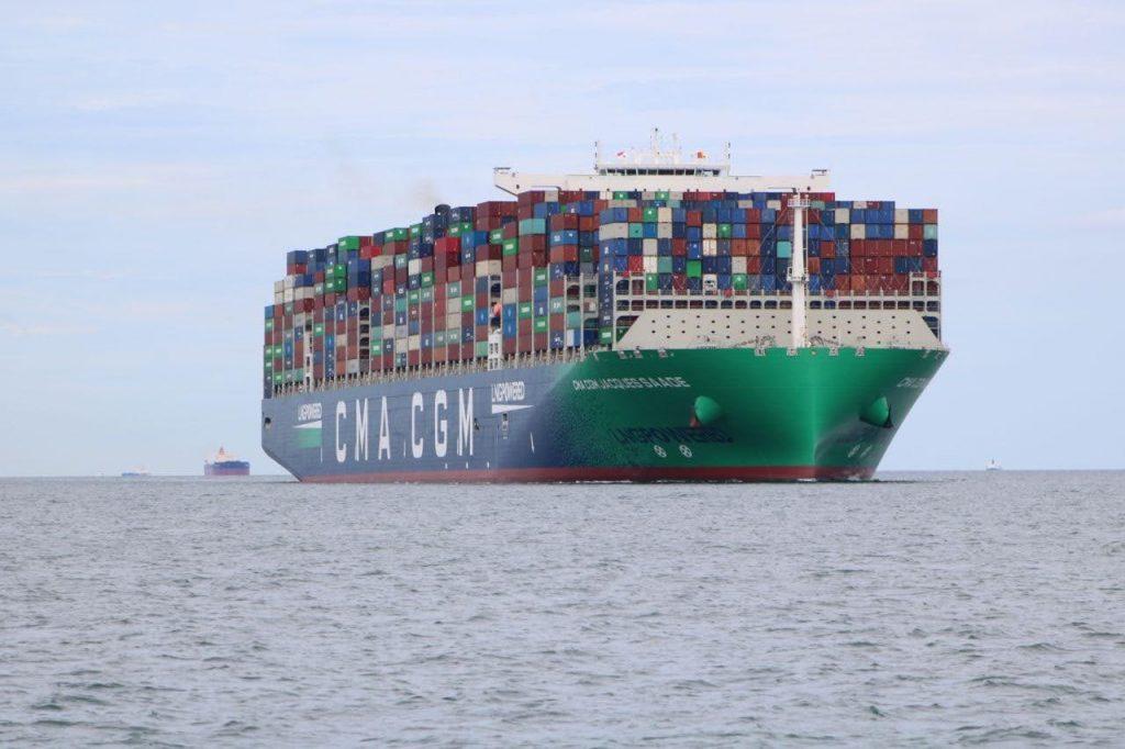 tàu chuyên chở container